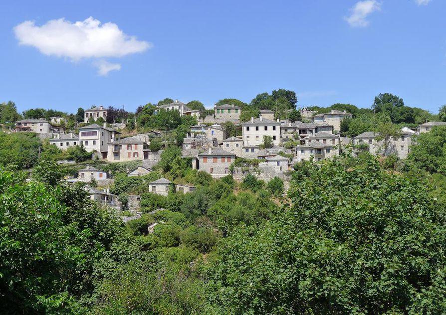 Vitsan kylässä on vain muutama sata vakituista asukasta. Elokuun puolivälissä väkimäärä kuitenkin moninkertaistuu.