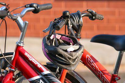 Poliisi valvoi tehostetusti polkupyöräilyä: 2 333 huomautusta ja 133 liikennevirhemaksua