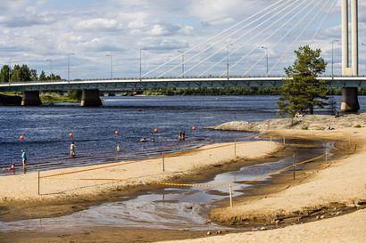 Ounaskosken uimarannalla saa jälleen uida vapaasti – Rantaa muotoiltiin uusiksi ja kahluualue poistettiin kokonaan