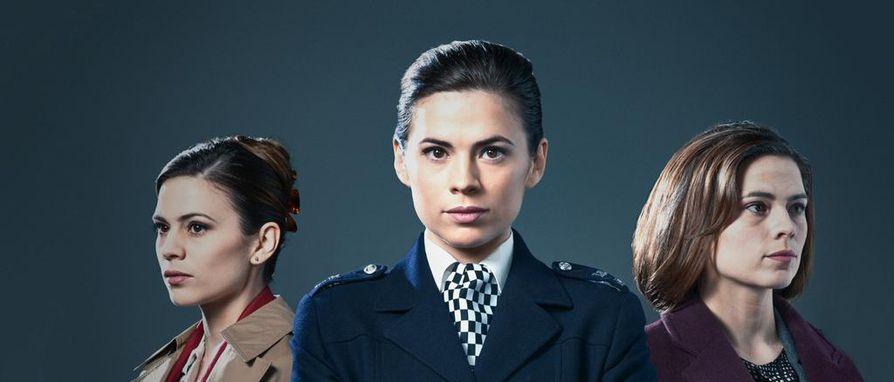 Brittinäyttelijä Hayley Atwell muuntautuu hienosti sekä vastavalmistuneen, uraäiti-ikäisen että keski-ikäisen Denise Woodsin rooliin.