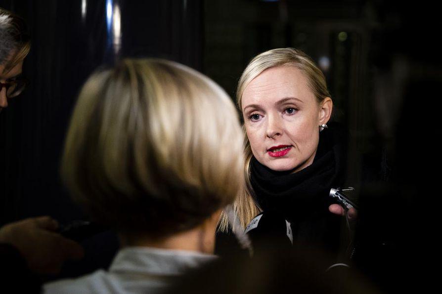 Vihreiden puheenjohtaja Maria Ohisalo vakuutti jo ennen kokousta tukeaan ulkoministeri Pekka Haavistolle.