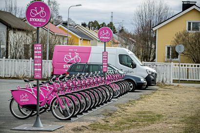Oulun Sykkelit seisovat odottamassa – yhdyskuntalautakunta päättää ensi tiistaina, jatkuuko kaupunkipyöräpalvelu vai ei