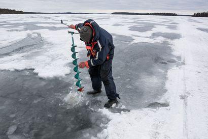 Ilokaasua pääsee järvistä vähemmän talvella – jäättömän ajan kasvu lisää järvien ilmastopäästöjä