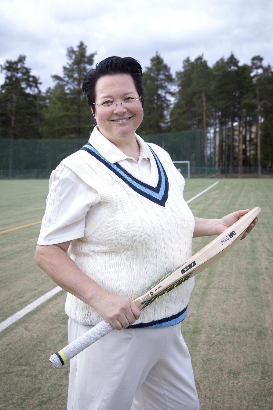 OCC:n puheenjohtaja Piiastiina Tikka pelaa krikettiä kuudetta kauttaan.