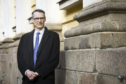 """""""Kaikki huonot päätökset eivät ole laittomia, mutta kaikki laittomat päätökset ovat huonoja"""" – Lapista etelään matkannut oikeuskansleri Tuomas Pöysti valvoo työssään oikeuden toteutumista"""