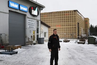Koskitraktorin halli valmistuu Pudasjärvellä – työkalu- ja varaosamyynti pääsee uusiin tiloihin ensi vuoden alkupuolella