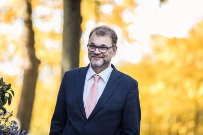 Ex-pääministeri Juha Sipilän puolittuneetkin tulot riittivät Oulun vaalipiirin kansanedustajien tulokärkeen – katso koko listaus