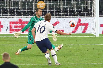 Valioliigan kohtaamisesta ei puuttunut käänteitä: Tottenhamin maali hylättiin, West Ham osui omiin