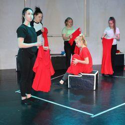 Tyttömetsä-esitys nähdään Haapaveden Kirnussa helatorstaina, loppukuussa nuoret esiintyvät teatterikatselmuksen ammattiraadille Kokkolassa