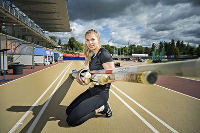 Oulun Pyrinnön Elina Lampelan putkessa on kymmenen kilpailuseivästä – kaikki ovat 425 sentin mittaisia, mutta taipuisuus vaihtelee