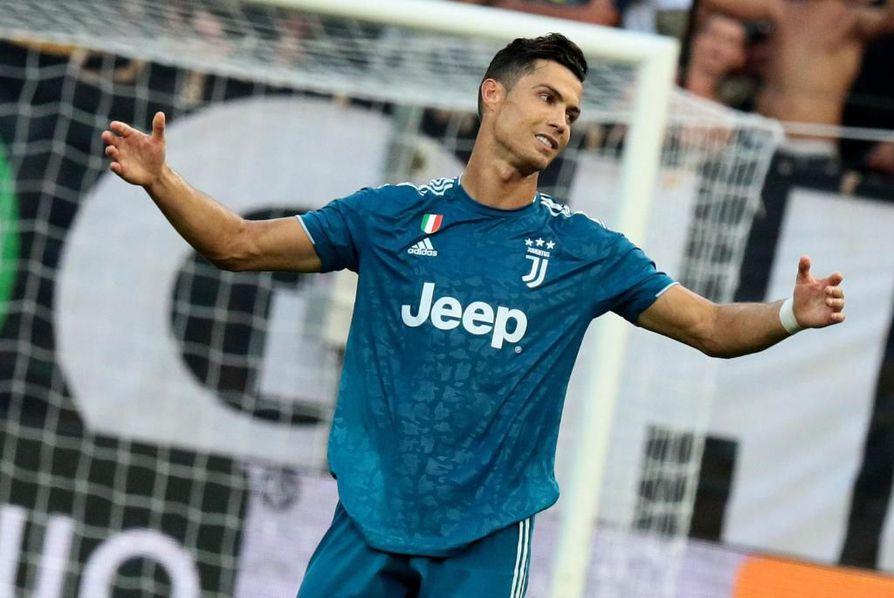 Cristiano Ronaldo tuskaili tehottomuuttaan. Maalipaikkoja portugalilaiselle siunaantui viljalti, mutta yhtään hyväksyttyä osumaa hän ei saanut tehtyä.