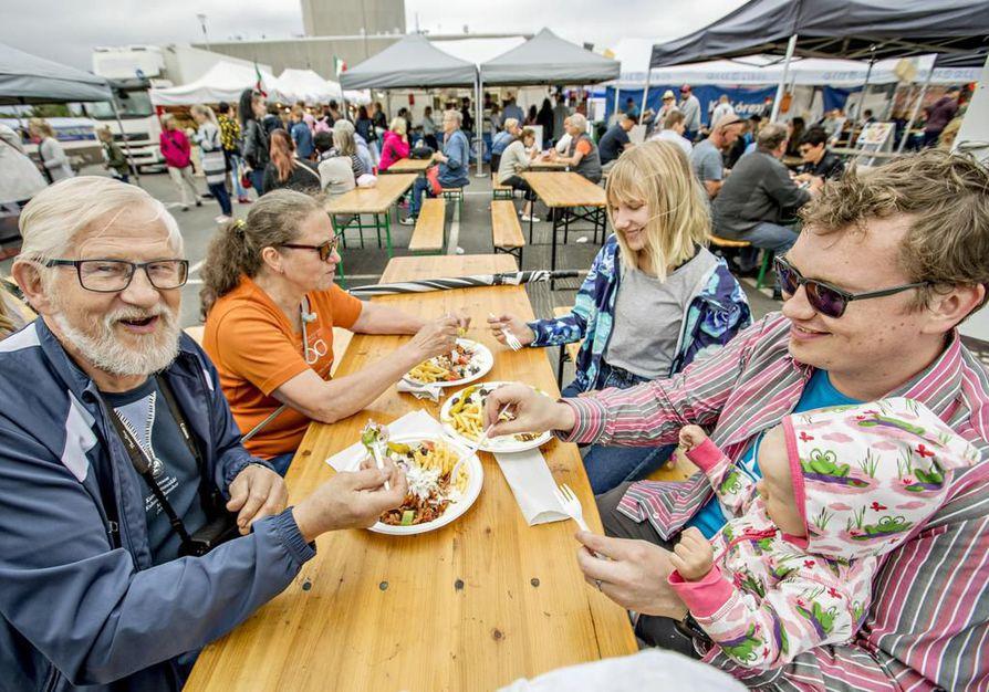 Street Food Fiesta järjestettiin Oulun torilla ensimmäisen kerran kesällä 2017. Arkistokuva.