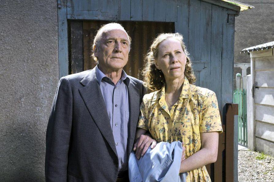 André Wilms ja Kati Outinen ovat mukana Aki Kaurismäen ohjaamassa elokuvassa Le Havre, jonka teemana on lähimmäisestä huolehtiminen.