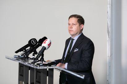 Valiokunnat alkavat työstää tartuntatautilain muutosta, joka antaa alueille lisää keinoja torjua koronaa