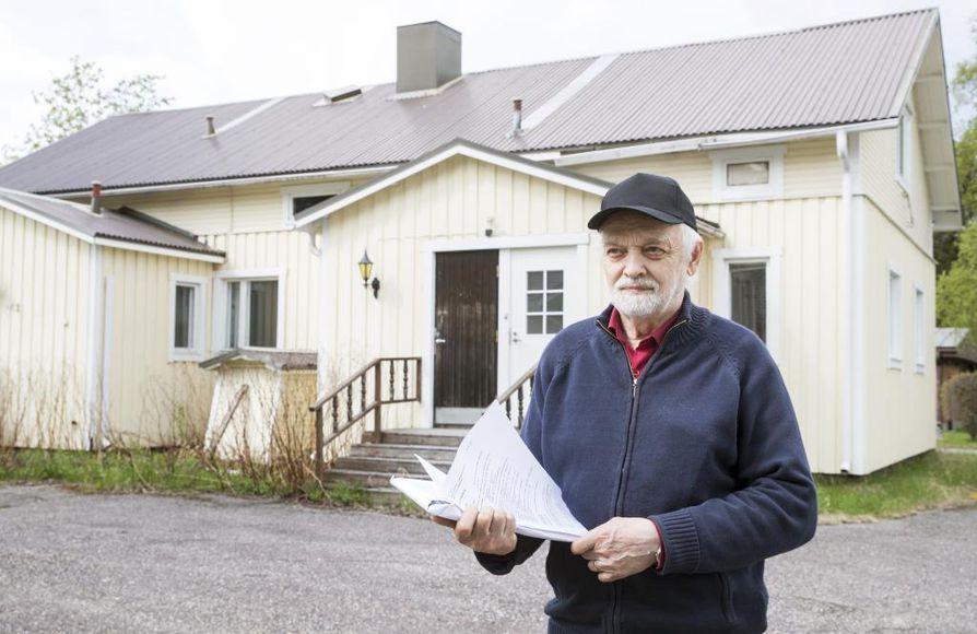 Rakennus HH:n ostama talo on ollut kaksi vuotta tyhjillään maksamattomien sähkölaskujen takia. Raimo Hänninen sanoo, että talo on remontoitukin, ja vuokralaisten puuttuminen on aiheuttanut tappioita.
