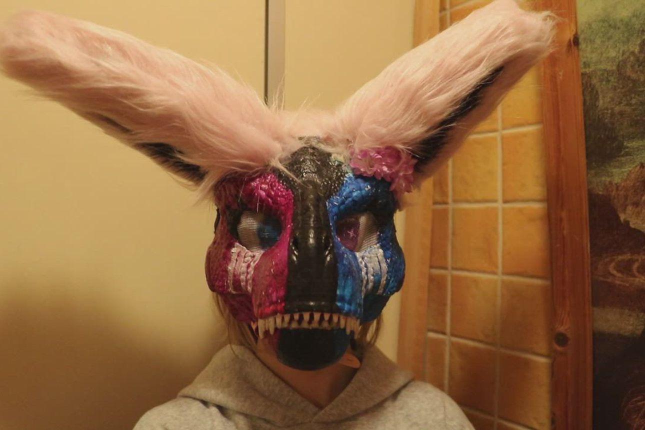 Oulaistelaiselle Jennalle fursuit-harrastaminen on käsityötä ja kavereiden kanssa spontaania oleilua