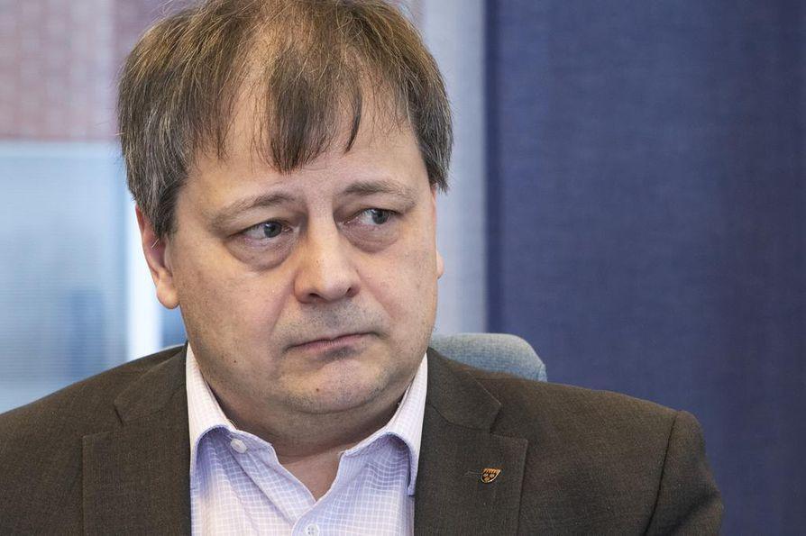 Puolangan pormestari Harri Peltola on puoluetaustaltaan keskustalainen. Kunnasta on kotoisin myös entinen pääministeri Juha Sipilä (kesk.).
