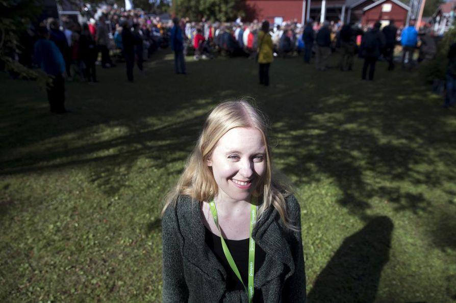 Psykologi Sanni Saarimäki tarjosi IlmastoAreenalla työkaluja ilmastoahdistukseen.