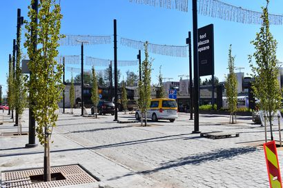 """Keskustassa sokkeloista liikennettä ja uusia istutuksia, puita tulee yli sata: """"On kiva, kun tulee vehreyttä"""""""