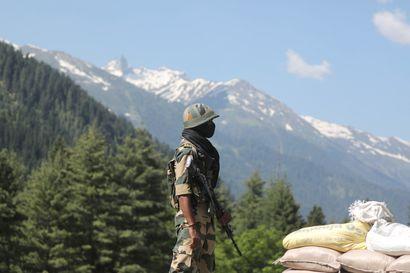 Intian ja Kiinan rajakiista leimahti veriseksi  – paikallismedioiden mukaan 20 intialaissotilasta piestiin kuoliaaksi