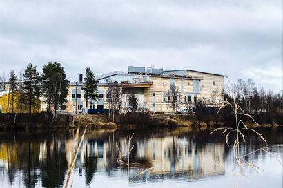 """""""Koulukeskus heijastaa luottamusta tulevaisuuteen"""" – Ivalon uusi koulukeskus rakentuu Ivalojoen rannalle, Inarin kunnan historian suurin julkinen investointi maksaa noin 26 miljoonaa"""