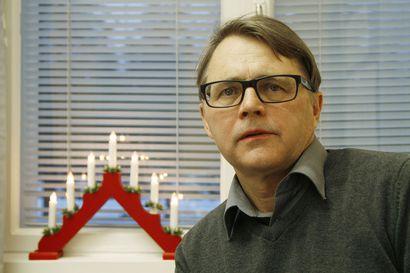 Palvelujohtaja Antti Tornberg jättämässä virkansa