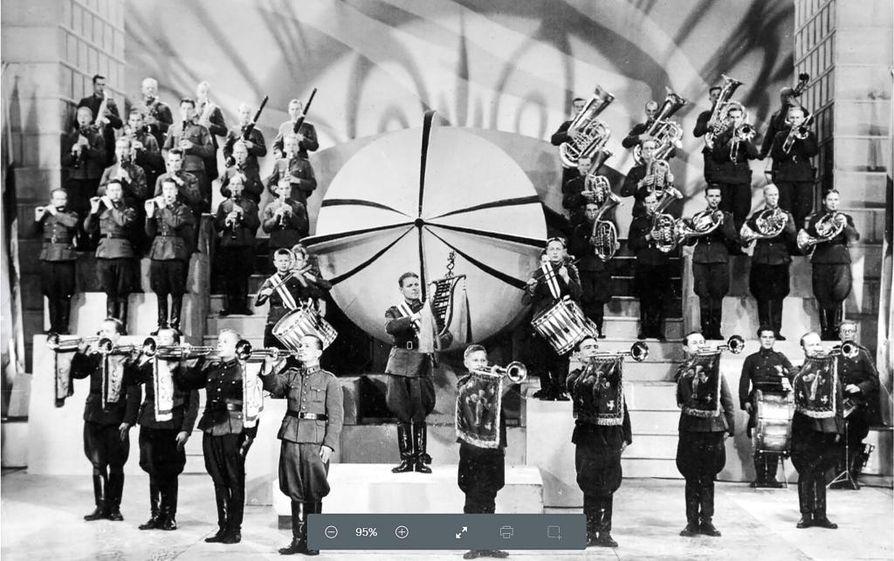 SF-paraati-elokuvassa (1940) sotilassoitto näyttäytyi juuri sellaisena kuin aikalaiset sen halusivat.