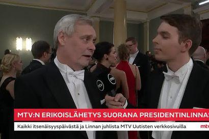 """Pääministerin paikalta eronnut Antti Rinne torui keskustelukulttuuria itsenäisyyspäivän vastaanotolla: """"Puhtaalla valehtelulla saattaa pärjätä myös politiikassa"""""""