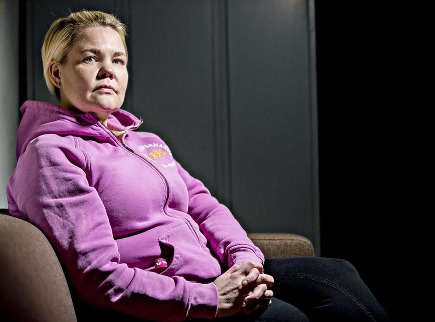Sairaanhoitaja Annukka Onnela tuli mielellään iltavuoron jälkeen aamuvuoroon töihin. Nyt se ei enää ole mahdollista.