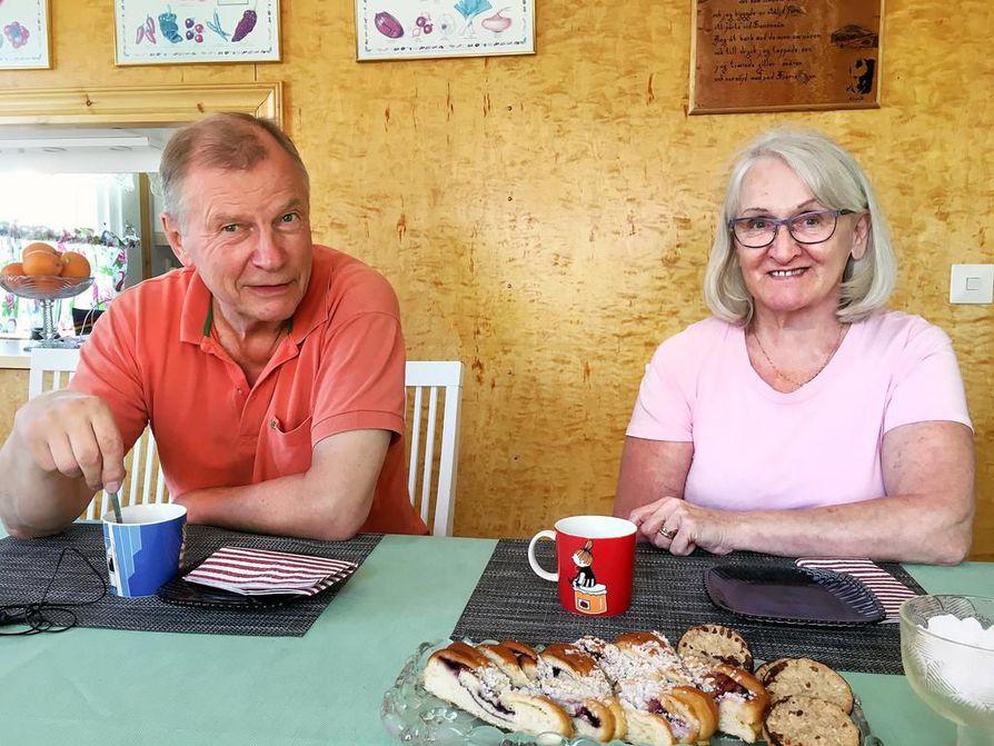 Matti Huttunen ja Tuula Andersson löysivät kotinsa lehti-ilmoituksen kautta.