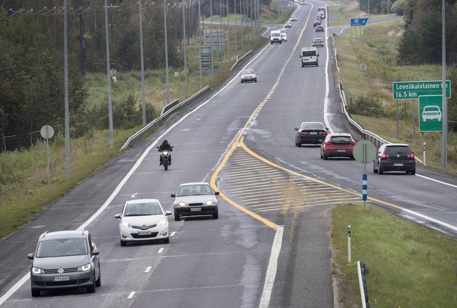 Nelostie, valtatie 2, liikenne
