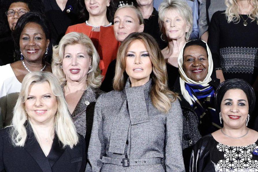 Aisan kannattaja valkoiset vaimot