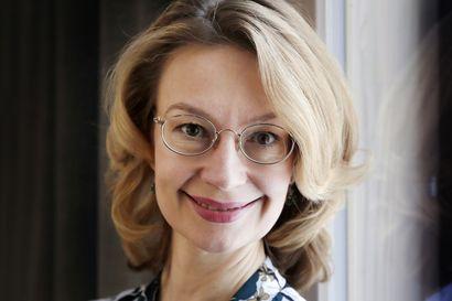"""""""Suomessa pitää voida ilmaista omaa uskontoa"""" – Eurooppaministeri Tytti Tuppuraisen mukaan sananvapaus on vaarassa kaventua Euroopassa"""
