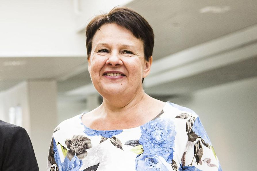 STM:n uudeksi kansliapäälliköksi valittu Kirsi Varhila ei uskalla luvata, että uudessa sote-mallissa ei olisi perustuslaillisia ongelmia.