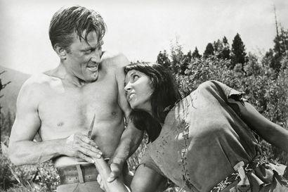 Kirk Douglasrakastuusioux-neitoon, jota 1950-luvun elokuvassa esittää valkoinen tähdenalku