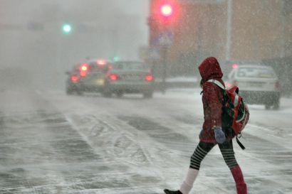 """Viikonloppuna maan pohjoisosissa saattaa pyryttää runsaasti lunta – Foreca: """"Grönlannin lumitykki"""" voi tuoda Koillismaalle jopa puolen metrin kinokset"""