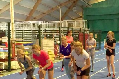Kestävyysjuoksijoille järjestettiin ensimmäinen POKA-leiri Oulussa – mukana oli maamme parhaimmisto