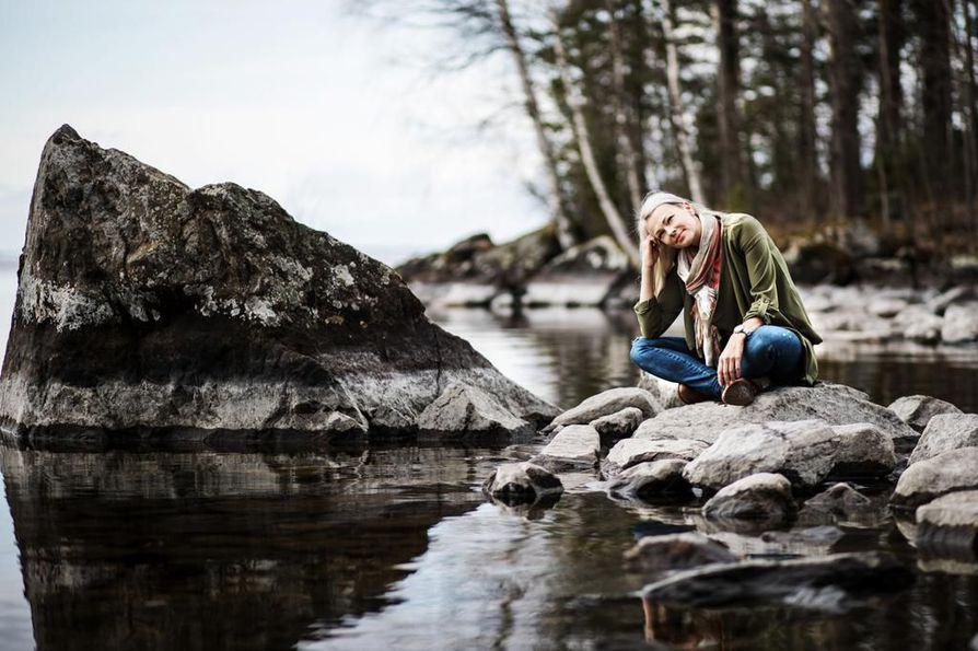 Lapinniemen ranta on Tampereella asuvalle Marisa Kainulaiselle tärkeä paikka mielen ja kehon huollolle.