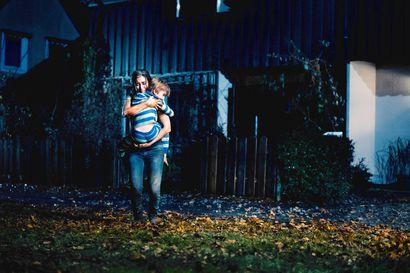 Arvio: Seinän takana asustaa painajainen ruotsalaisessa kauhuelokuvassa