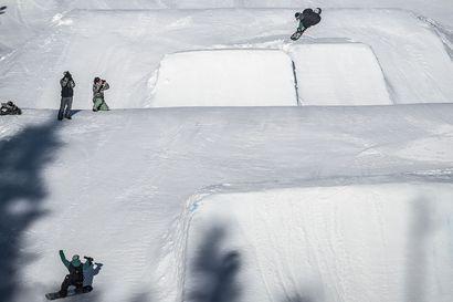 Lumilautaliitto perui tapahtumia – lumilautailijat eivät kilpaile maaliskuussa Iso-Syöttellä