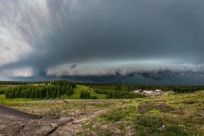Myrskybongari tallensi kamerallaan uhkaavan vyörypilven Oulun yllä – kuva valittiin kesäkuun lukijakuvaksi