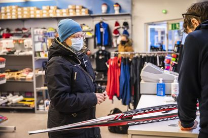 Oulun laduilla käy tänä talvena kova kuhina ja sukset menevät kaupaksi – valmentaja neuvoo sijoittamaan hiihtovälineisiin vähintään 500 euroa