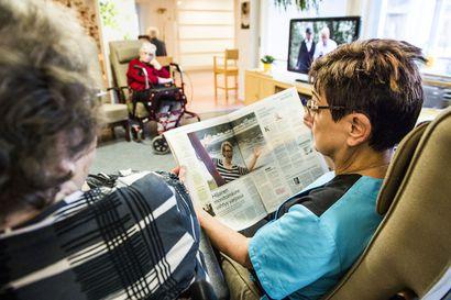 """Laki 0,7 hoitajamitoituksesta annetaan torstaina eduskunnalle: """"Vihdoinkin parannuksia vanhusten hoitoon"""""""