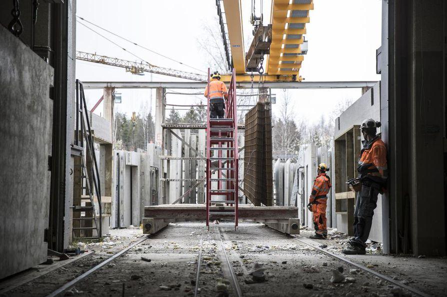 Rakennusalalla riittää yhä työpaikkoja.