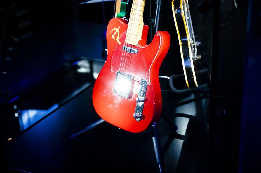 Museossa on näytillä muun muassa Juice Leskisen kitaroita.