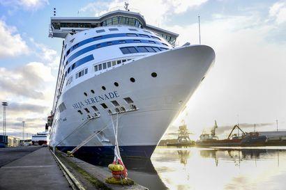Lisää aluksia Itämeren liikenteeseen kesäksi – varustamot toivovat, että rokotustodistuksen kanssa pääsisi laivamatkalle