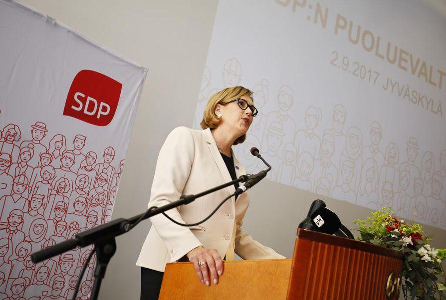 Tuula Haatainen on SDP:n presidenttiehdokas ensi talven presidentinvaaleissa.