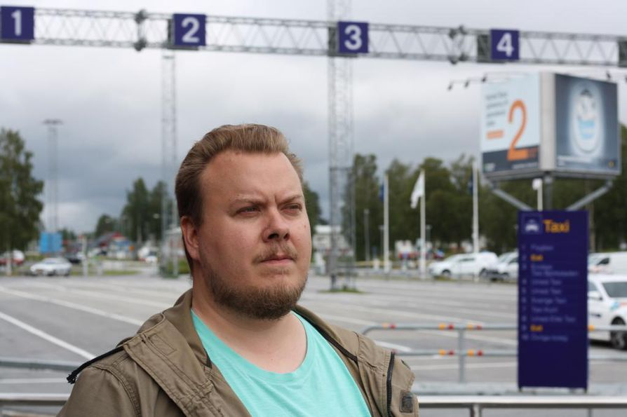 Anders Agdahlin mukaan moni Uumajan seudulla asuva tuntee jonkun onnettomuuden uhreista, koska yhteisö on niin pieni.