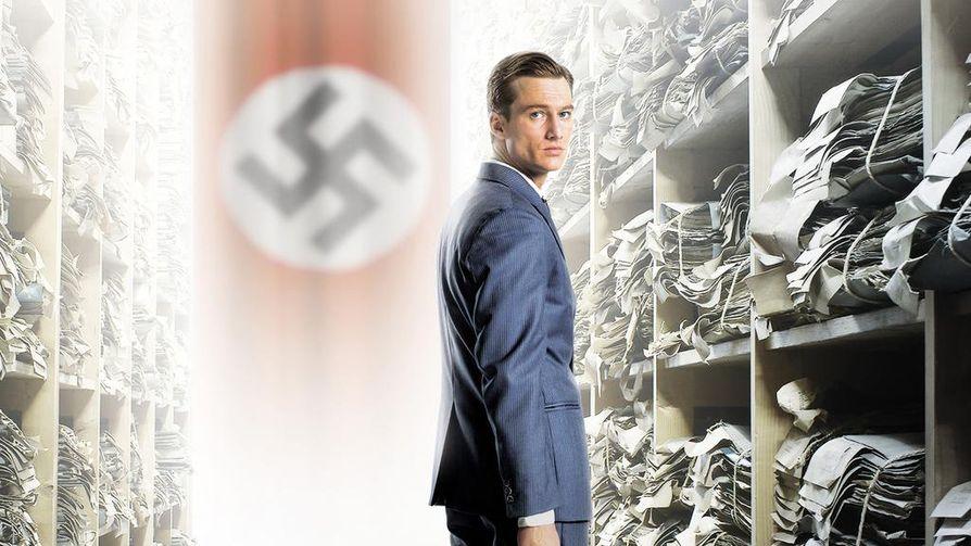 Alexander Fehling on nuori syyttäjä tosipohjaisessa Valheiden labyrintti -elokuvassa.