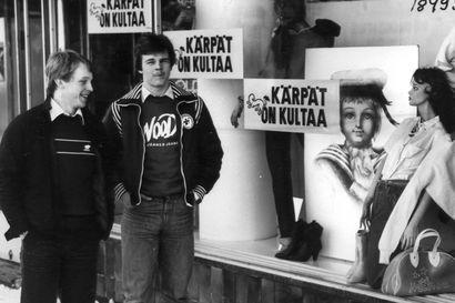 Vanhat kuvat: Kärppien ensimmäisestä Suomen mestaruudesta 40 vuotta – nostalgisissa kiekkokuvissa palataan 1970- ja 1980-luvuille